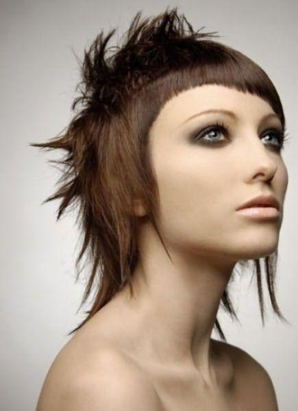 Стрижка гаврош на средние волосы 2