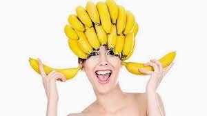 Бананы содержат много крахмала и великолепно восстанавливают сухие пряди
