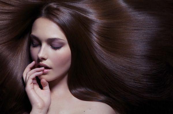 Чудес не бывает и тонирование темных волос светлой краской в результате будет просто не заметно