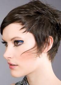 Стрижка аврора на короткие волосы 3