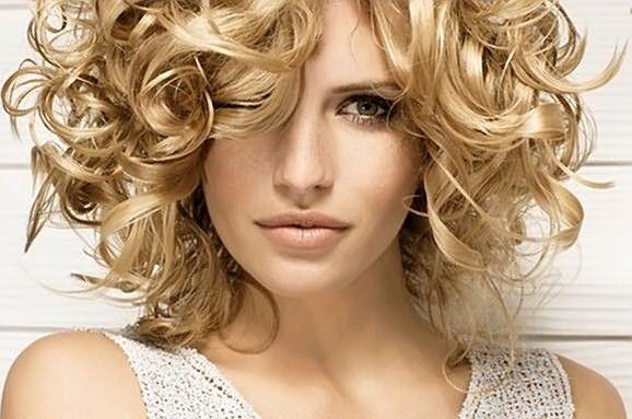 Фото: волны из волос всегда привлекали взгляды