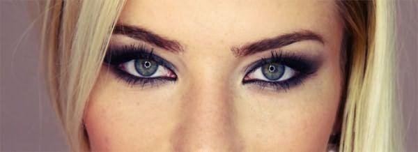 Блондинка с серо-голубыми глазами