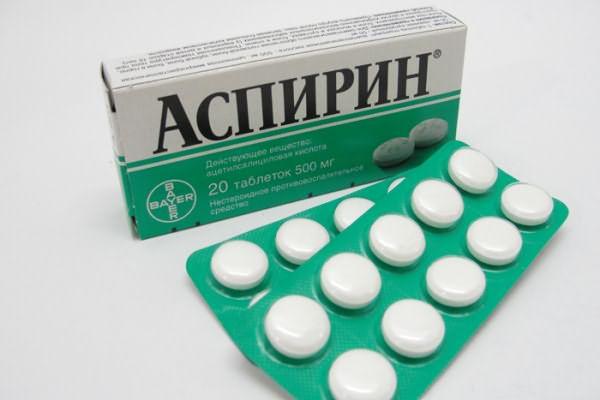 Аспирин для лица и волос применим при нарушении работы сальных желез.