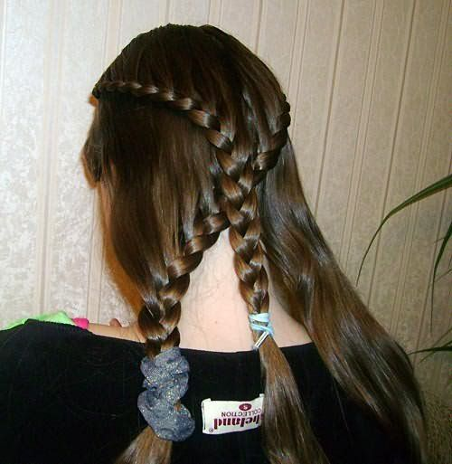 Создание двух перекрещенных кос: шаг 2