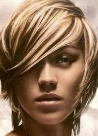 прически стрижки для тонких волос 13