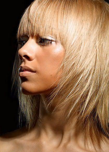 прически стрижки для тонких волос 19