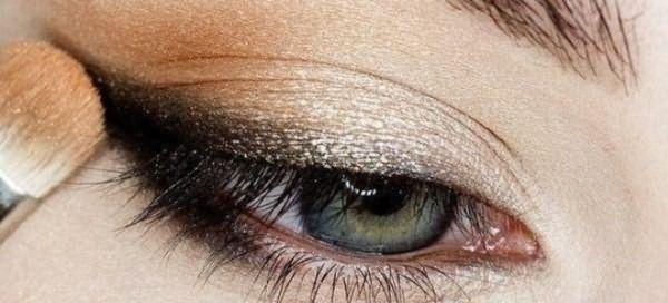 пошаговый макияж для голубых глаз 4