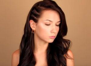 укладка волос средней длины своими руками 9