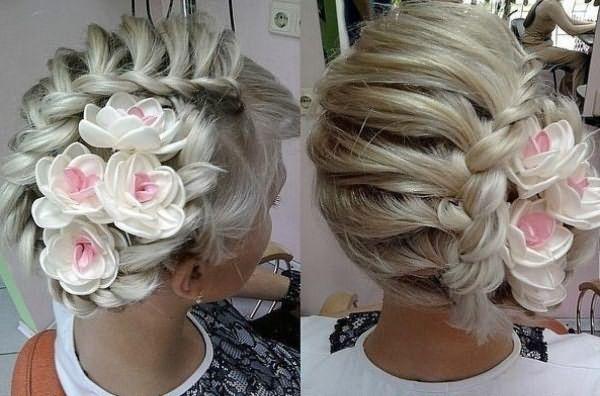 косы с цветами