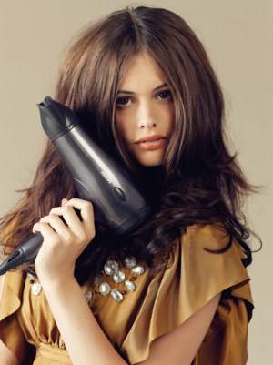 Помните, горячий воздух пересушивает волосы, используйте фен только по необходимости.