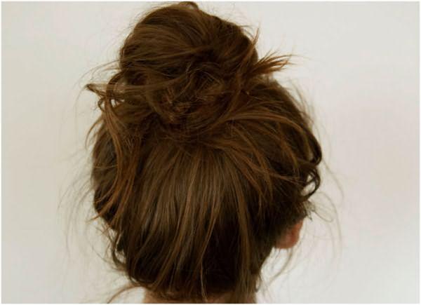 Пучок волос на макушке