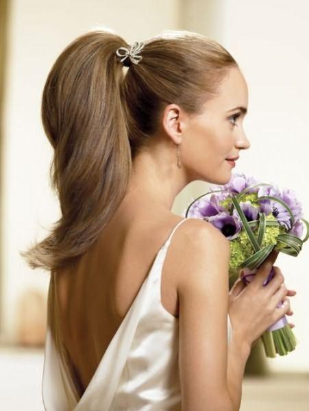 Хвост может быть даже свадебной или вечерней прической
