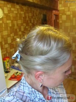 без вспышки, ну а тут можно увидеть цвет волос во всей красе...