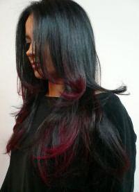 красные пряди на темных волосах 2
