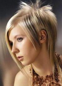 Стрижка гаврош на средние волосы 3