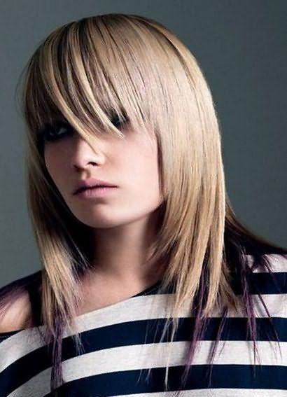 женская стрижка лесенка на средние волосы 1