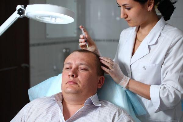 Процедура мезотерапии вполне возможна, если вы еще не знаете, как отращивать волосы мужчинам