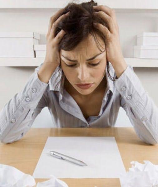Стресс и усталость могут замедлять рост волос