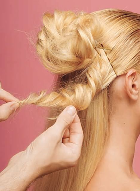 Оригинальные прически на средние волосы18