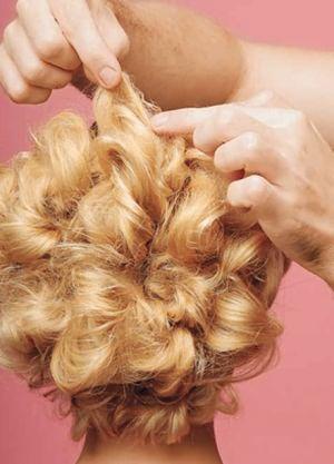 Оригинальные прически на средние волосы23