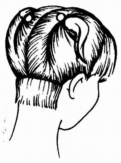 первая затылочная прядь, отделенная пробором параллельно линии роста волос