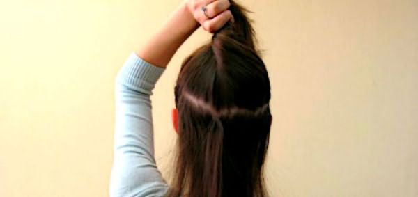 Делим волосы вертикальным пробором
