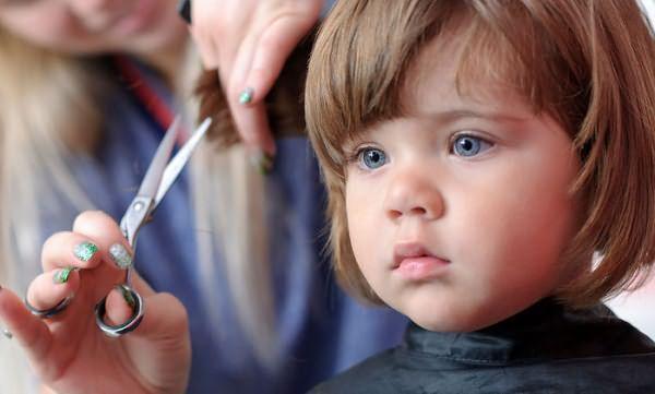 Выполнение детской стрижки