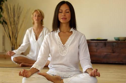 Медитация помогает восстановить энергетический баланс и нейтрализует стрессы