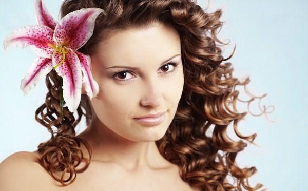 Современные продукты помогут сохранить здоровье волос даже после химии