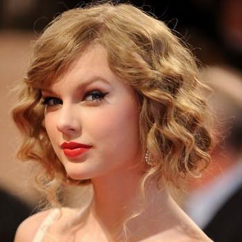 Самые популярные прически на волосы средней длины, какие они?