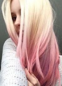 розовые пряди на светлых волосах 9