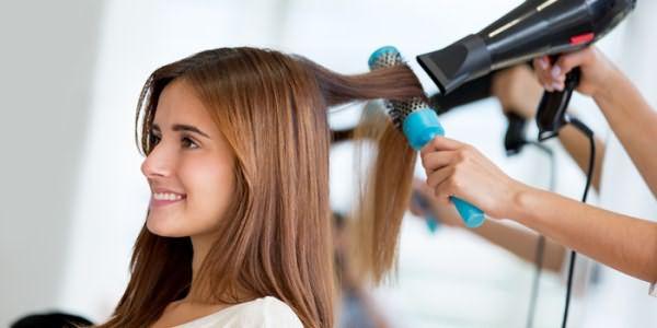 Укладка феном для выпрямления волос