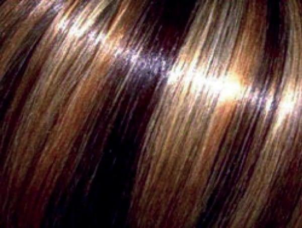 На фото – ламинированные волосы, окрашенные методом американского колорирования. Они требуют особого внимания при уходе.