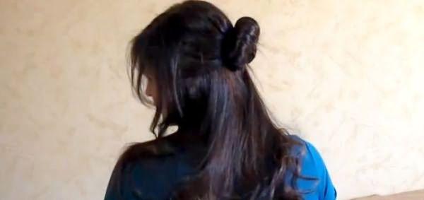 Прическа Мальвина с необычной заколкой