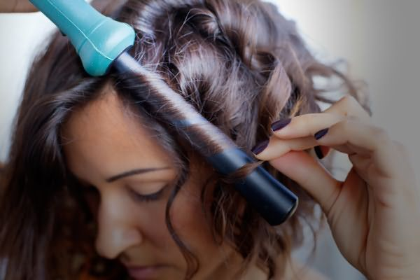 Верхний ряд волос рекомендую накручивать от лица