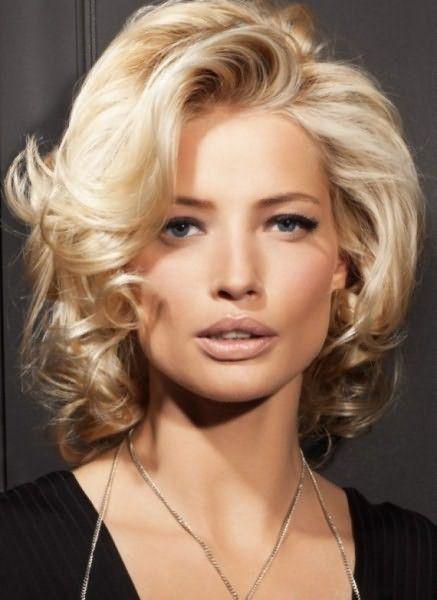 Эффект от легкого начеса фактически такой же, зато волоски почти не травмируются.
