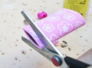 Corte as pétalas depois de coladas