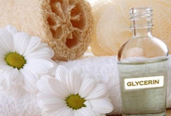 Полотенце, глицерин и цветы