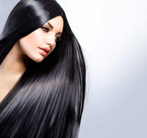Девушка с черными, длинными, прямыми волосами