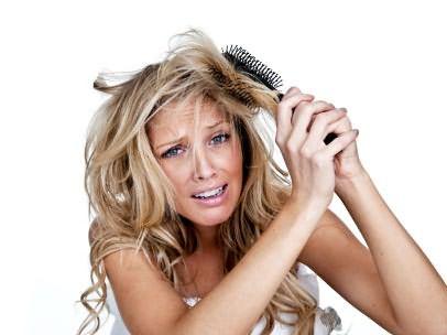 Фото: борьба с непослушными волосами забирает много сил и времени