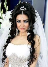 Свадебные прически с диадемой 1