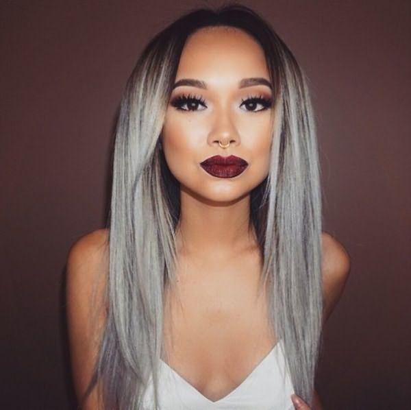 Девушка с пепельным цветом волос