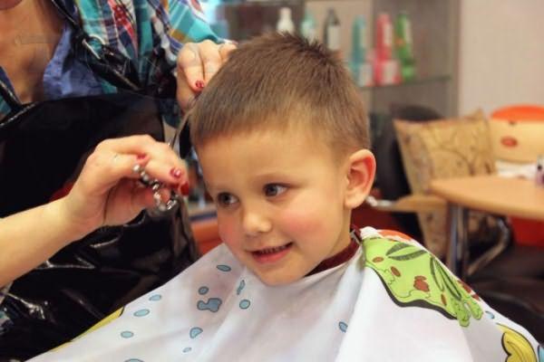 Процедура выполнения детской стрижки