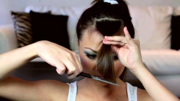Обрезание челки ножницами