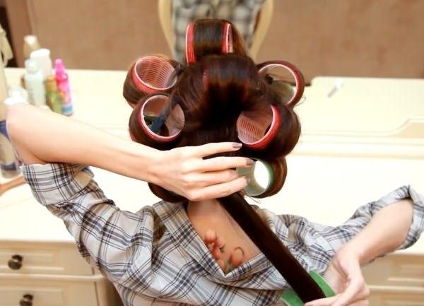 Завивка волос для тонких волос – это не только химические препараты, но и хорошо знакомые бигуди