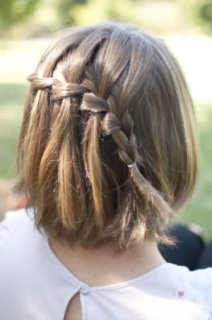 Колосок на распущенных волосах успешно украсит нашу повседневность.