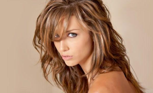 Девушка с тонированными волосами