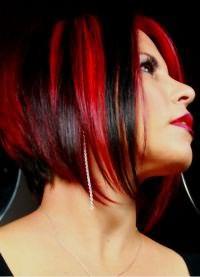 красные пряди на темных волосах 3