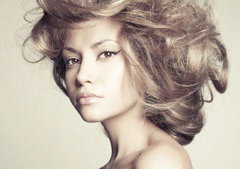 Уход за сухими волосами должен быть регулярным и комплексным.