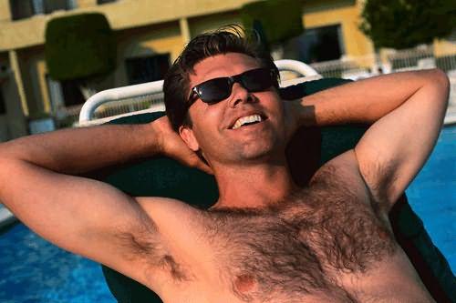 Для мужчин умеренная волосатость считается нормой